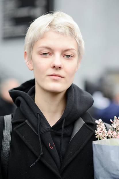 Herbstfrisuren Kurzhaarschnitt in kühlem Blond