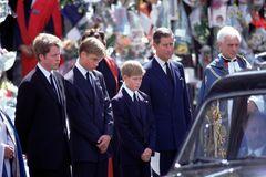 Schwere Vorwürfe! Dieses Foto von Dianas Beerdigung ist eine große Lüge