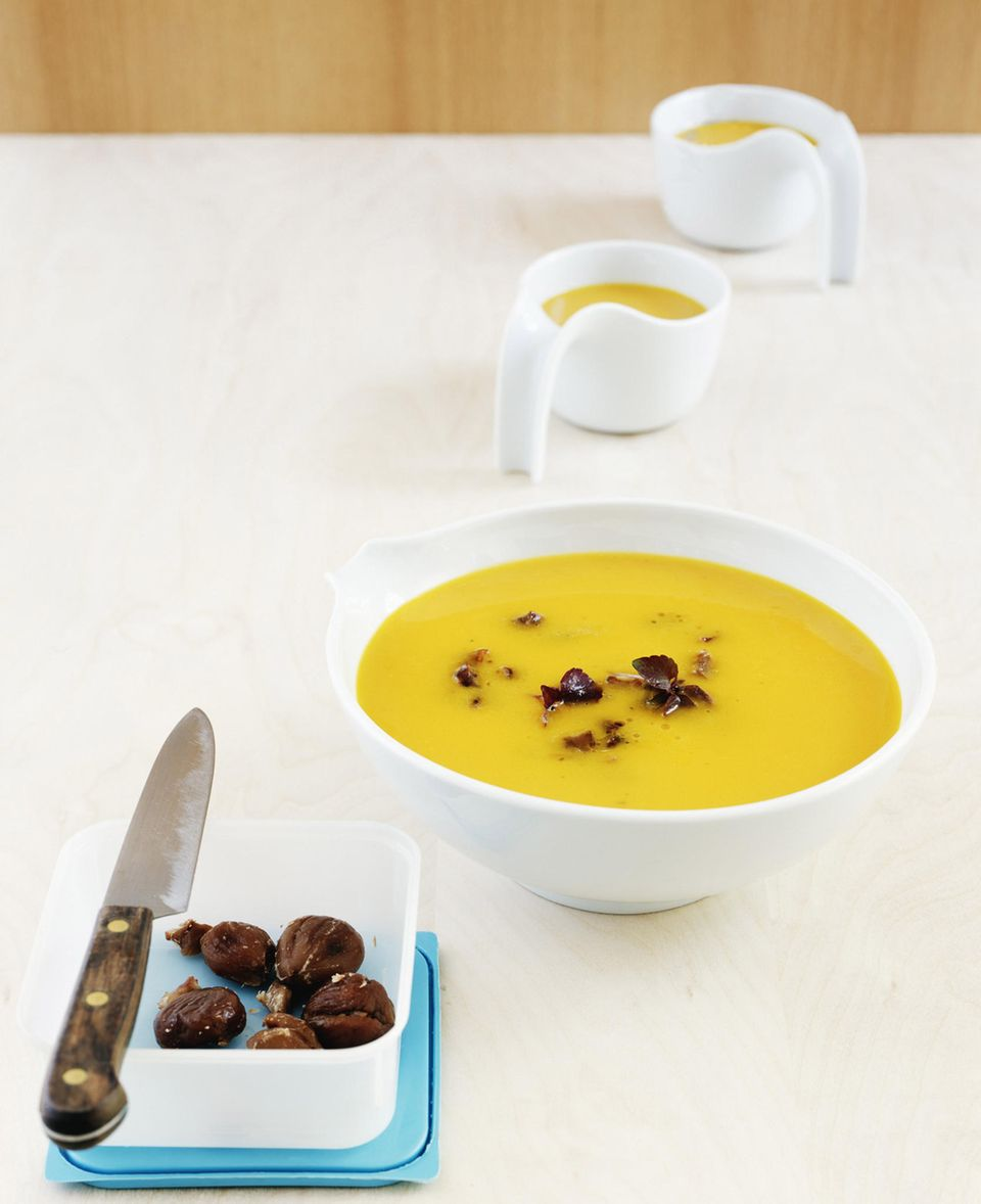 Suppe mit Muskatkürbis und Maronen