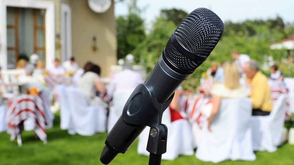 Bewegend: Glückstränen für diese Hochzeits-Rede an den Stiefsohn