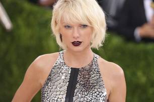 Taylor Swift, blond