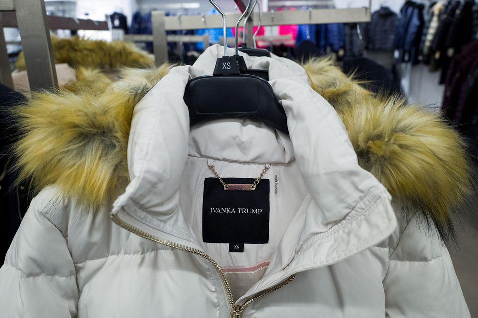 Ivanka Trump: Jacke aus ihrer Mode-Kollektion