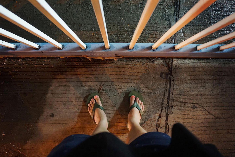 Schwerverbrechen: Füße im Gefängnis