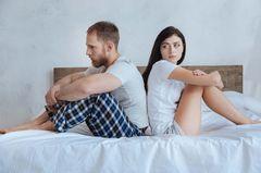 Schwierige Person: Paar im Bett