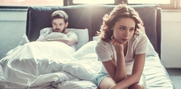 Kein Orgasmus: Paar im Bett
