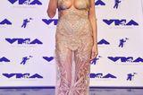 Heidi Klum in einem transparenten Glitzerkleid