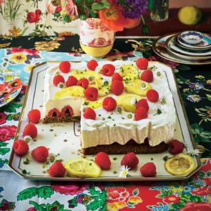 Himbeer-Haselnuss-Torte-mit-Zitronen-Frischkäse