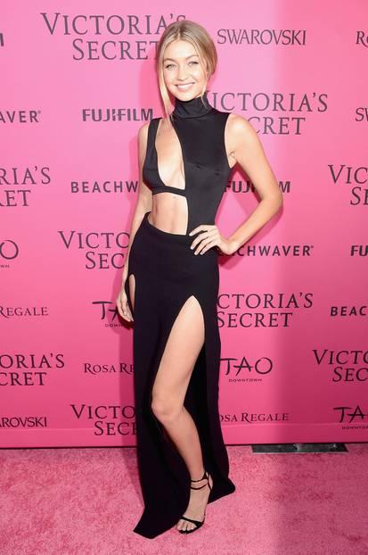 Gigi Hadid in einem gewagten Cut-Out-Kleid
