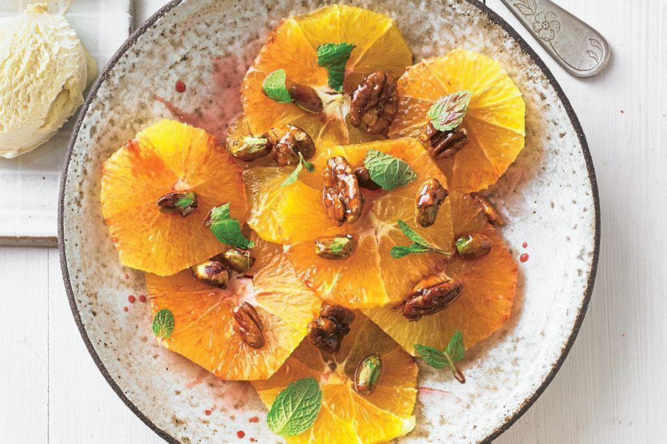 Vorspeise zu Weihnachten: Orangensalat mit Nusskrokant