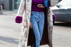 Brokat-Trend an Frau auf der Straße