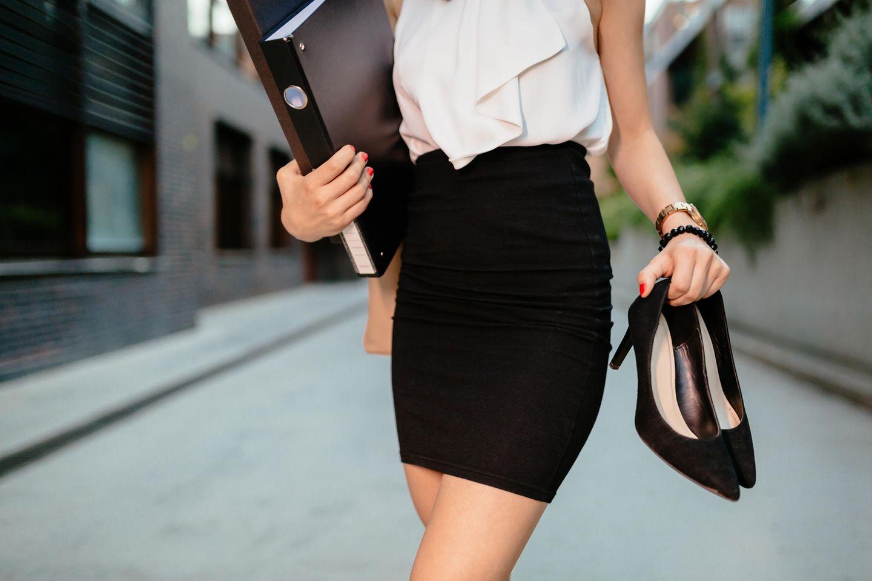 Networking: Frau in Businessmode