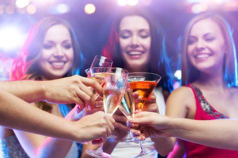 Alkoholkonsum: Immer mehr Frauen trinken zu viel
