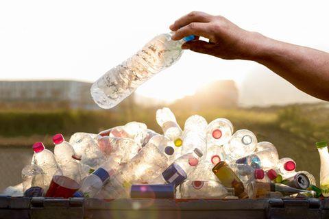 Die größten Filmfehler: Plastikflaschen, Gasflaschen und ein Auto in der Schlacht