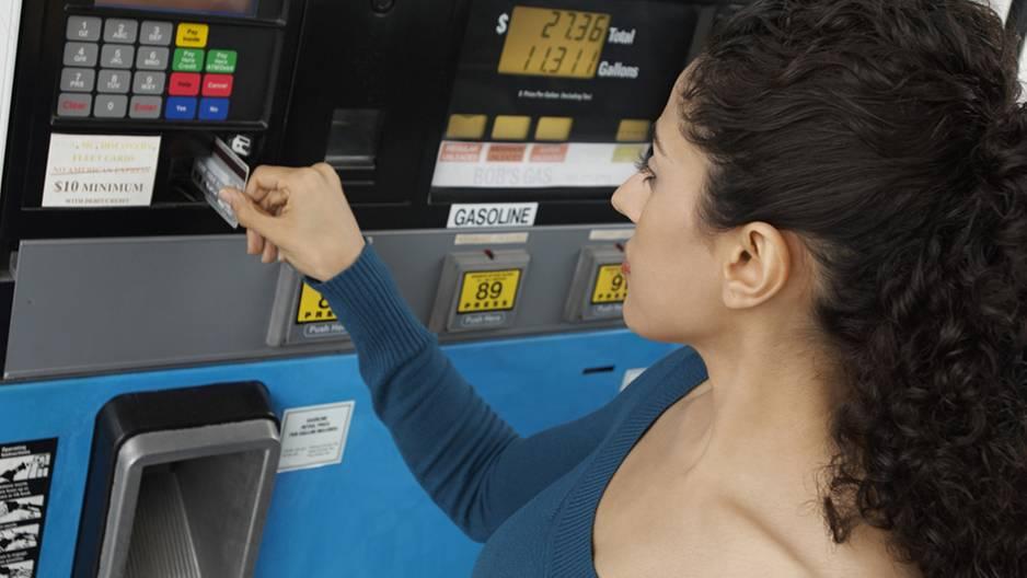 Betrüger an Tankstellen unterwegs - darauf musst du jetzt achten