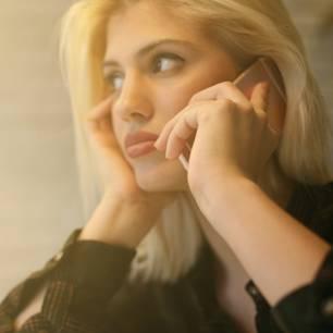 Nervige Hotline-Ansagen ertragen muss nicht mehr sein, dank diesem einen Wort...