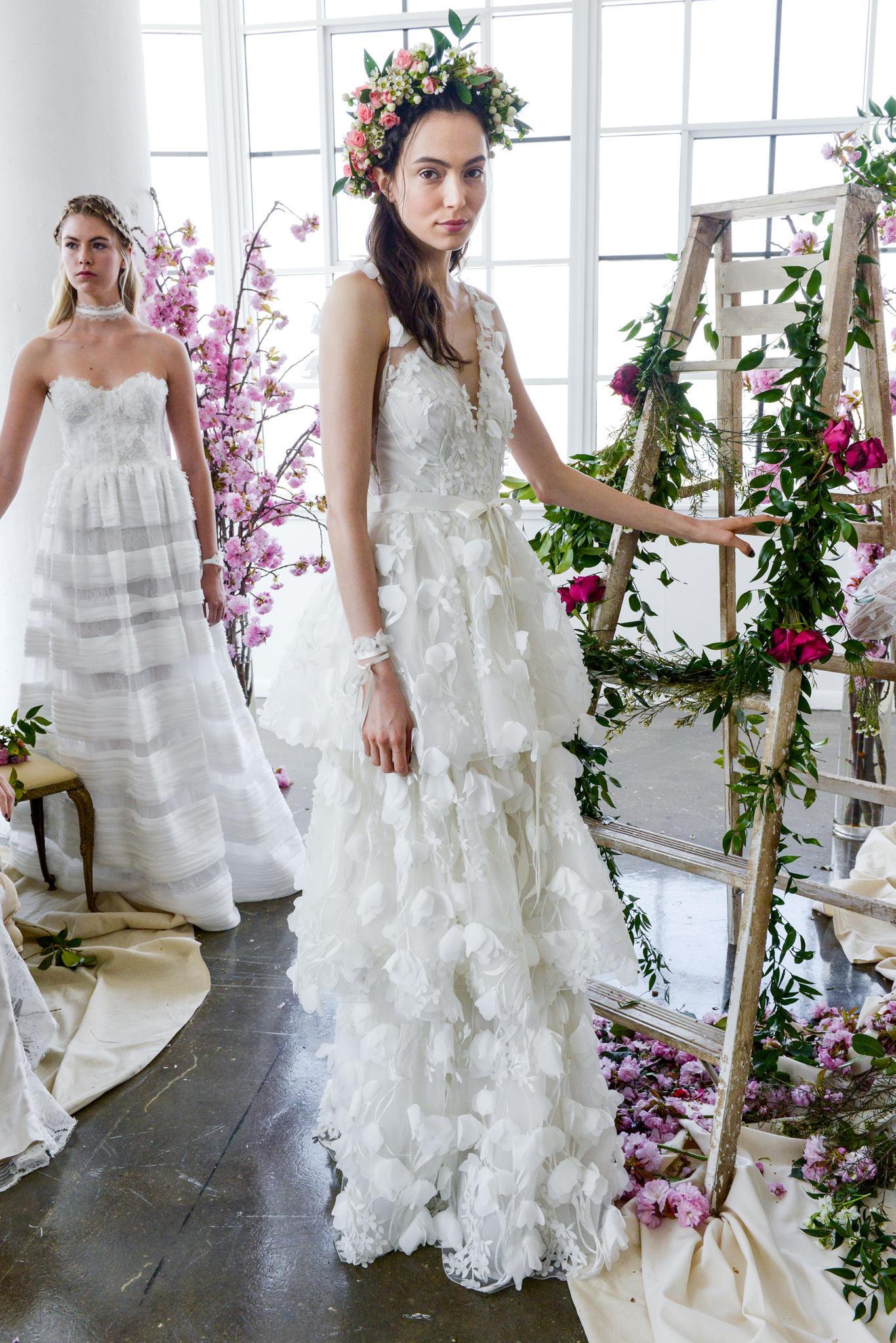 Hochzeitskleid mit Schleife und 3D-Details