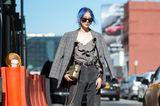 Blazer mit Karo zur Jeans als Streetstyle