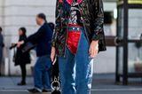 Streetstyle mit Lackjacke bei der London Fashion Week