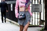 Streetstyle mit Karo-Rock bei der London Fashion Week