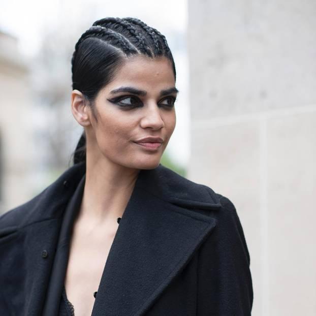 Frisurentrend: Geflochtener Pferdeschwanz für dunkle Haare