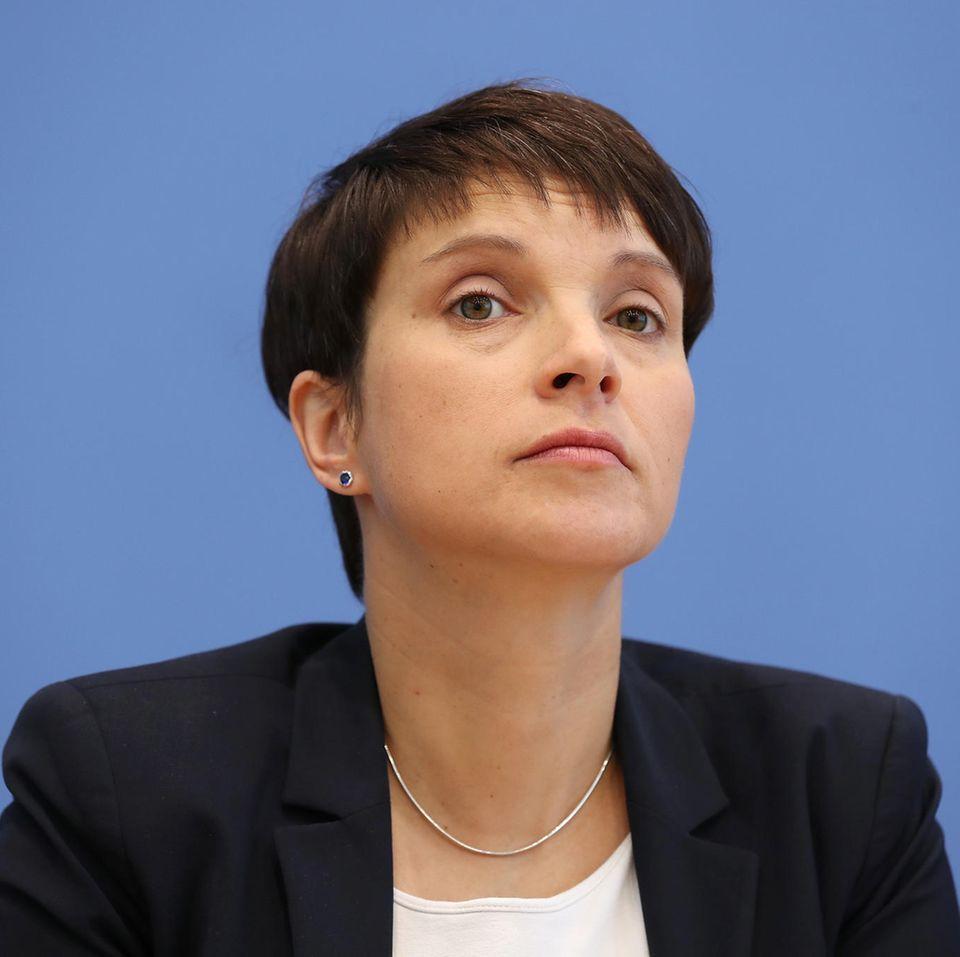 Paukenschlag in Berlin: Frauke Petry und Ehemann verlassen die AfD