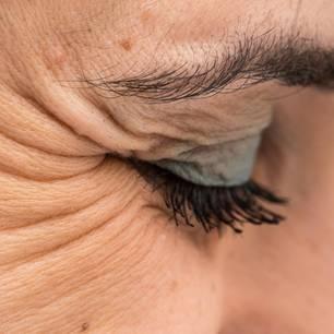 Anti-Aging Pflege – welche Creme hilft wirklich gegen Falten