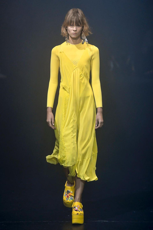 Balenciaga X Crogs: So sehen die neuen Modelle aus