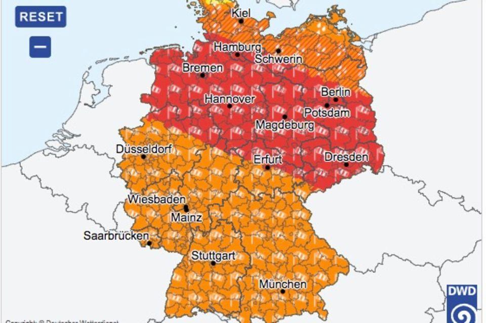 Tief Xavier: Wetterdienst warnt vor heftigen Orkan-Böen über Deutschland