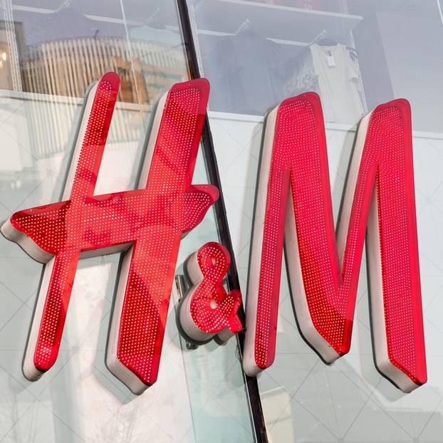 H&M-Logo auf einem Geschäft