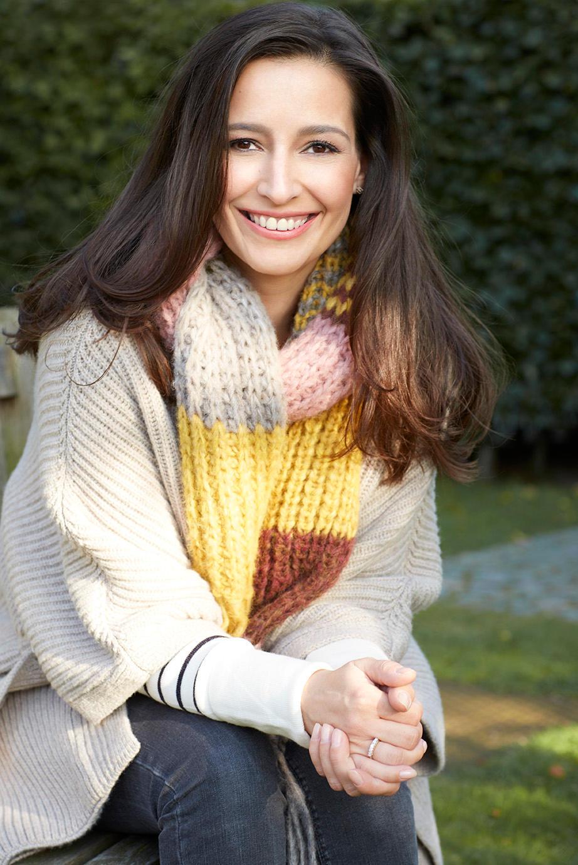Pinar Atalay unterstützt den Schal fürs Leben
