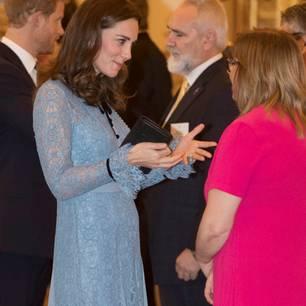 Kate zeigt erstmals ihren Babybauch - und erntet gehässige Kommentare