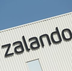 Zalando Logo an Gebäude
