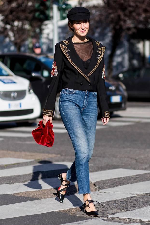 Schwarze Kleidung als Streetstyle
