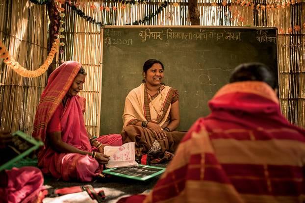 Indien - Schule für Großmütter