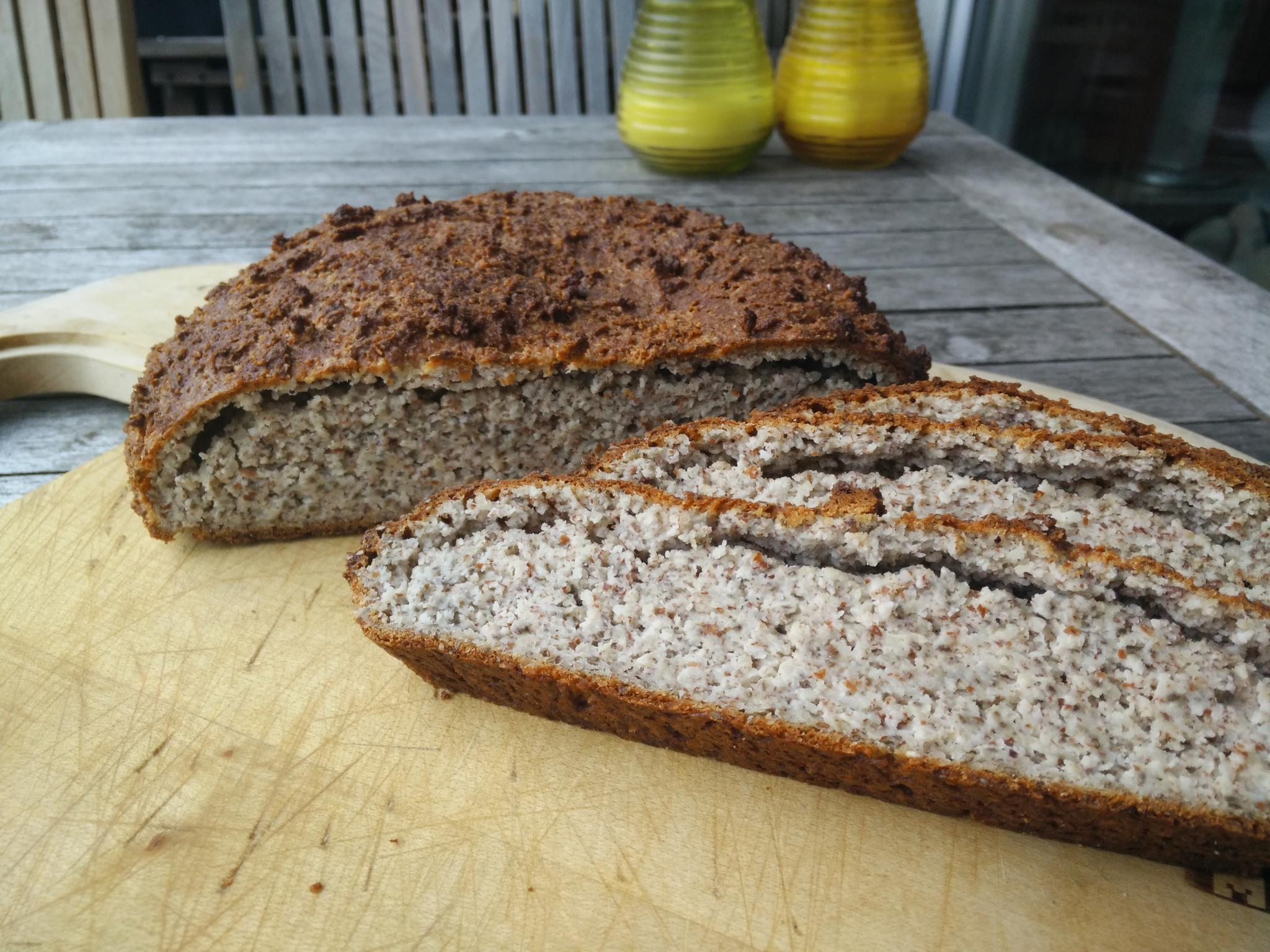 Low Carb Chia-Quarkbrot