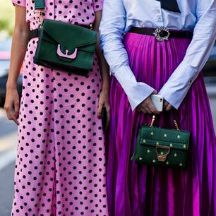 Bloggerinnen tragen Trendtaschen