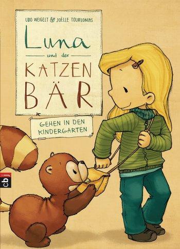 """""""Luna ist ganz aufgeregt – ihr erster Tag im Kindergarten! Schnell lernt sie neue Freunde kennen, mit denen sich auch gut zusammen spielen lässt. Karlo gefällt das gar nicht. Als er dann auch noch beim Mama-Papa-Kind-Spiel mitmachen muss, beschließt er, Luna von nun an lieber alleine in den Kindergarten gehen zu lassen. Doch da verabredet sich Luna mit Carola – bei ihm Zuhause!"""" (Random House)        Luna und Karlo sind ein Team und beste Freunde. Klar, dass Karlo seine Luna da nur sehr ungerne mit ihrer neuen Freundin im Kindergarten teilt. Eine altbekanntes Problem, das auf liebevolle und verständliche Weise behandelt wird. Das Schöne an den Luna-und-Karlo-Büchern ist aber, dass sie Mädchen und Jungs gleichermaßen glücklich macht und sie die Bücher am liebsten gar nicht mehr aus den Händen legen wollen. Neben den süßen Gesichte sind dafür aber natürlich auch die liebevollen Illustrationen verantwortlich.        Udo Weigelt & Joelle Tourlonias: """"Luna und der Katzenbär gehen in den Kindergarten', Verlagsgruppe Random House, 72 Seiten, 9,99 Euro"""