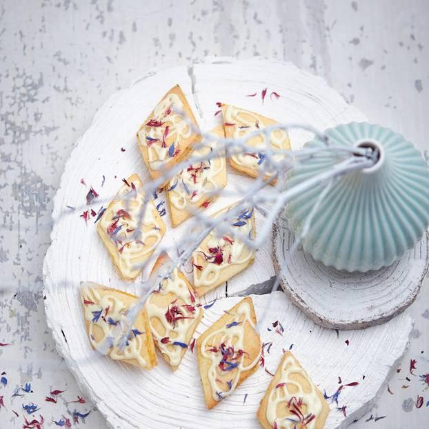 Rezepte Weihnachtsgebäck.Kekse Backen 150 Rezepte Für Weihnachtsgebäck Brigitte De