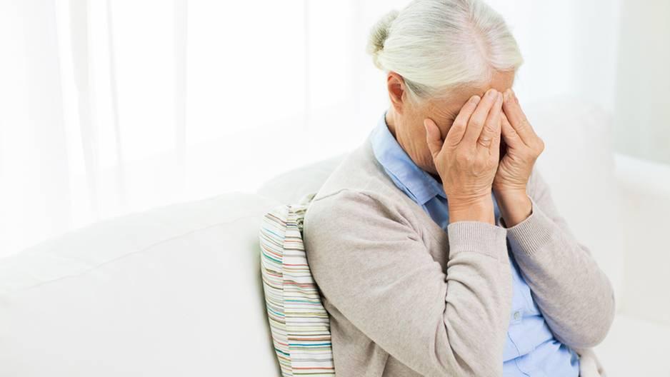 Seniorin (84) klaut, weil sie Hunger hat - Gefängnis!