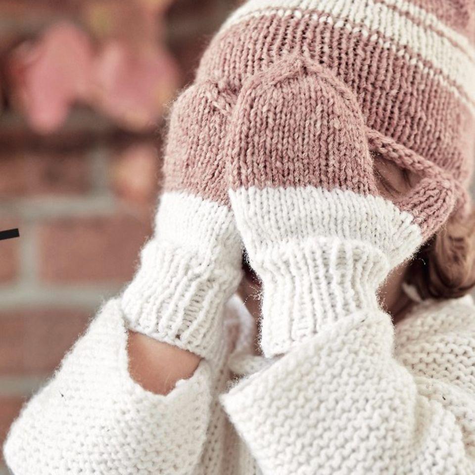 Mütze und Handschuhe stricken