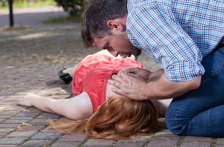 Schockierende Studie: Frauen werden seltener wiederbelebt als Männer