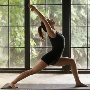 Flow Yoga - die besten Übungen im Fluss