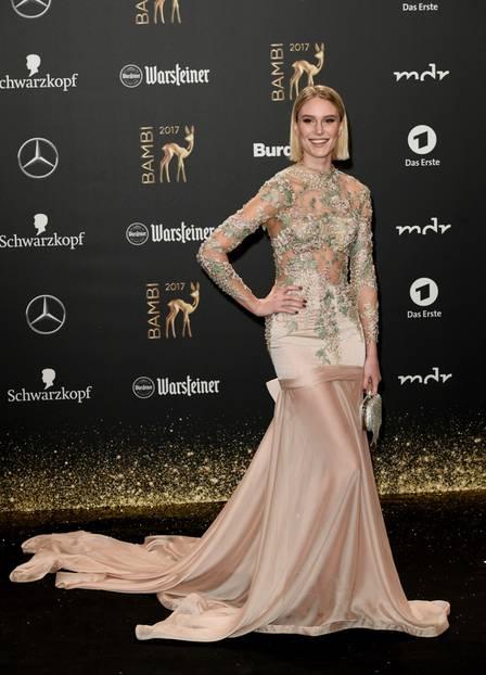 Bambi 2017: Kim Hnizdo auf dem Roten Teppich