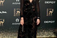 Bambi 2017: Stefanie Giesinger auf dem Roten Teppich