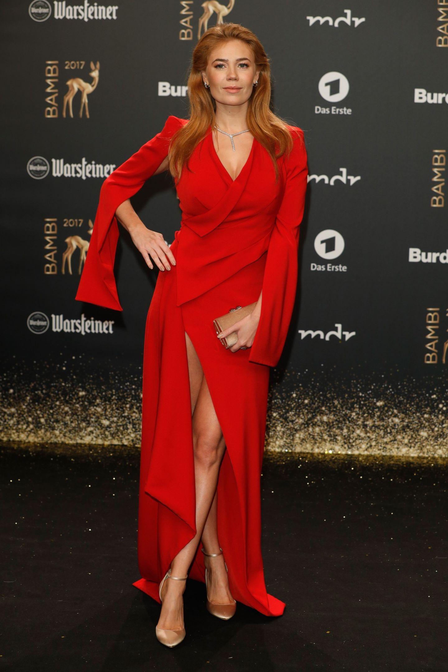 Bambi 2017: Palina Rojinski auf dem Roten Teppich