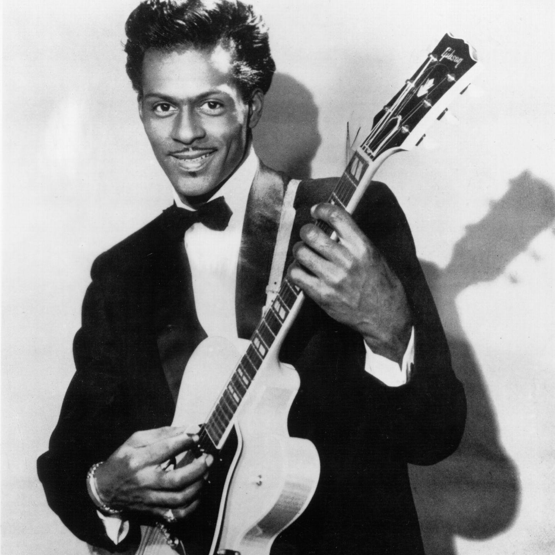 Er galt als DIE Rock'n'Roll-Ikone und Vorbild für die Beatles und Rolling Stones und wird mit Songs wie 'Johnny B. Goode' oder 'Roll over Beethoven' auf ewig unvergessen bleiben. Der Ausnahme-Künstler Chuck Berry starb im Alter von 90 Jahren in seinem Haus in Missouri. Er wurde 90 Jahre alt.