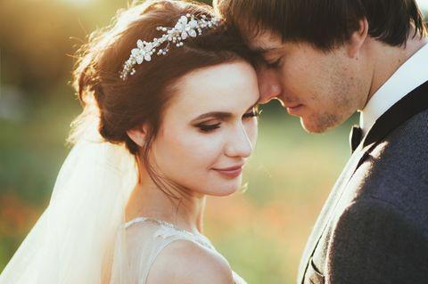 Männer heiraten zunehmend hoch