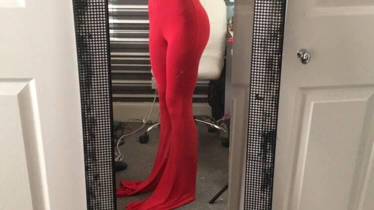 Online-Shopping-Fail: Frau bestellt Hose und bekommt das