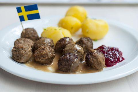 IKEA plant Restaurants: Schwedische Köttbullar auf einem Teller