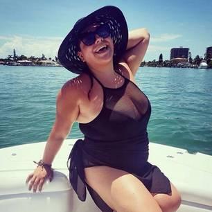 Plus Size Bloggerin schickt Urlaubsschnappschuss
